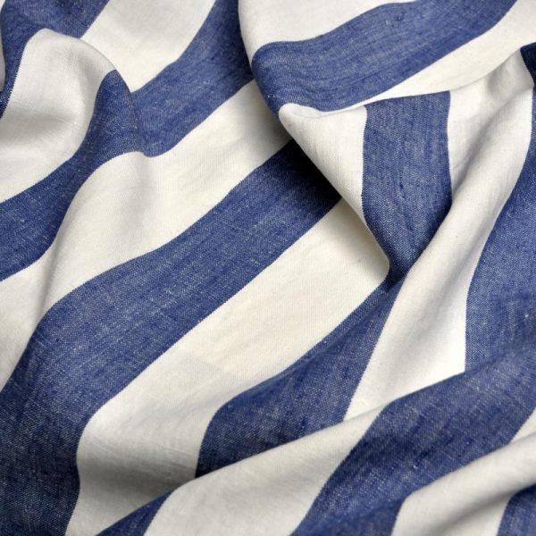 draperii-din-in-cu-dungi-albastre