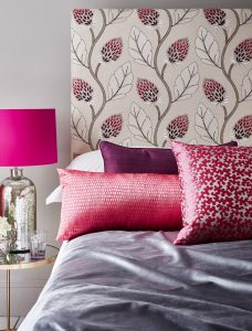 tapiterie cu flori roz