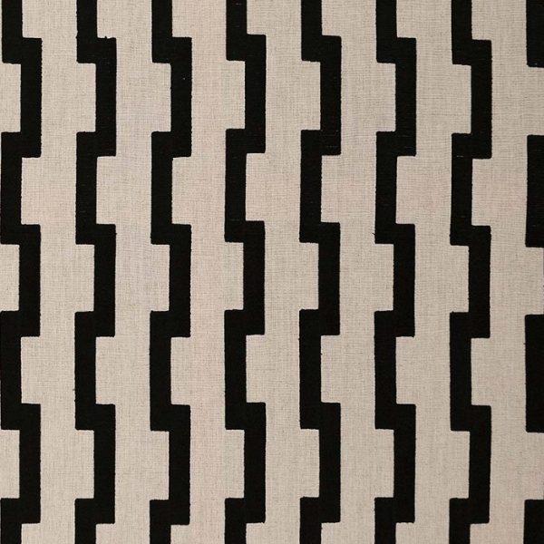 Material textil cu motive geometrice Baluran
