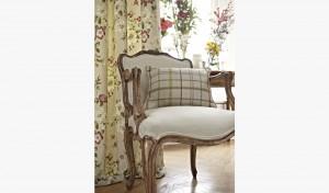 draperii florale dormitor