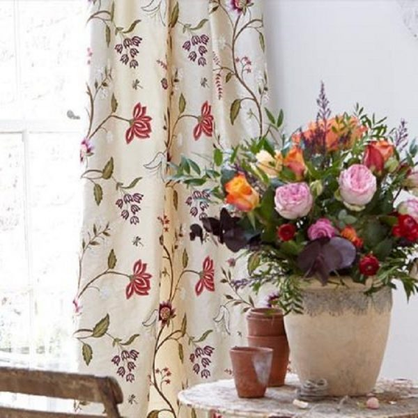 Draperii florale din matase naturala Silk Shiraz